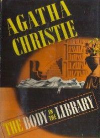 Un cadáver en la biblioteca, 1942