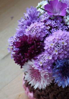 Blumen aus Papier …. und welche aus dem Garten …