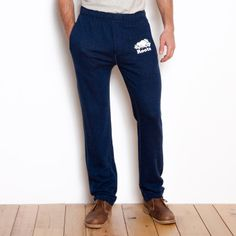 Active men's style... really like the straight legs for a better fit and a less baggy look.