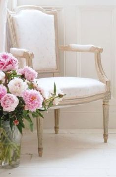 Peony and Sage - Georgian House Fabric Collection - Light wooden framed armchair with a white padded seat and backrest, beside a large glass vase filled with pink flowers Large Glass Vase, French Country Cottage, Romantic Cottage, Country Life, Pink Peonies, Peony, Pink Flowers, Georgian Homes, Rose Cottage