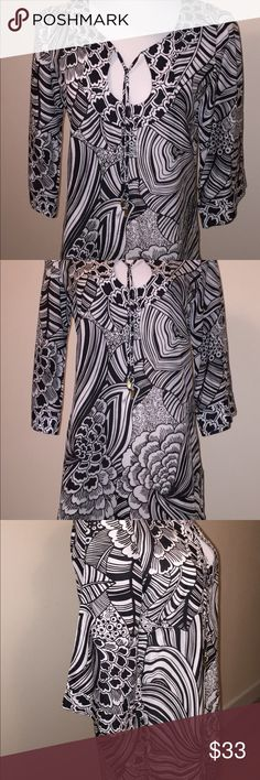 Trina Turk Swimsuit Tunic Coverup Side slits, 3/4 sleeve, cotton in like new condition, Trina Turk Swim Coverups