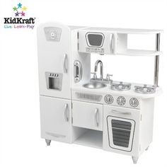 Vintage play kitchen, so sweet