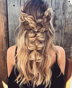 Boho braids #messyupdo #bridalupdo #weddinghairstyle Hair by : Emma Chen