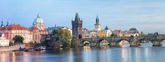 Le Pont Charles, dans la vieille ville de Prague, en République tchèque