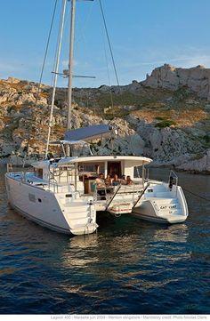Riviere-pilote Yacht Rental: Rental Catamaran Cruises With Skipper Grenadines Caribbean Martinique Catamaran Design, Sailing Catamaran, Yacht Boat, Sailing Ships, Boating Holidays, Sailing Holidays, Luxury Boat, Luxury Yachts, Naval