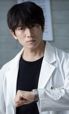 Doctor John – Yo Han suddenly feels dizzy during the presentation. At that moment, Si Young comes up to the stage. Korean Male Actors, Korean Celebrities, Asian Actors, Ji Song, Lee Bo Young, Park Ji Sung, Doctor Johns, Kdrama Actors, Cute Actors