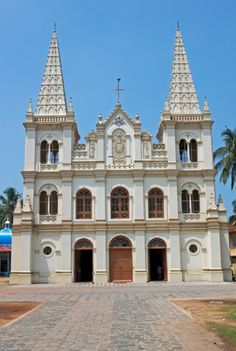 Santa Cruz Cathedral Basilica in Kochi