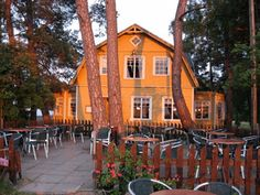 Take bus 88 from Herttoniemi and travel to Pyysaari through Laajasalo. This idyllic restaurant offers traditional food since the Olympics in From the terrace you can see the dazzling sea and Finnish archipelago. Palma de Pyy opens the first of May. Visit Helsinki, Restaurant Offers, Cultural Events, Interesting History, Beautiful Buildings, Archipelago, Summer Travel, Capital City, Finland