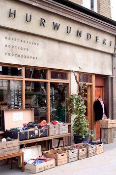 nice signage empty space and colour Hurwundeki Shop retail Design unique idea Signage Design, Cafe Design, Store Design, Logo Design, Retail Facade, Shop Facade, Cafe Restaurant, Restaurant Design, Coffee Shop