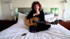 """Francesco Yates performs """"Sugar"""" in bed 