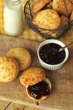 Cinco Quartos de Laranja: Scones de queijo