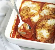This classic cheesy recipe gets the Good Food makeover, resulting in a hearty yet healthy dish great for sharing with your mates, from BBC Good Food magazine. Healthy Dishes, Healthy Snacks, Healthy Recipes, Healthy Mummy, Dinner Healthy, Healthy Eating, Jambalaya, Bbc Good Food Recipes, Cooking Recipes
