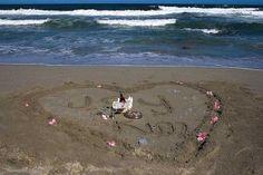 Honeymooners, Anniversary couples or romantic Getaways - KENNEDYS BEACH VILLA the single most fantastic place for you! Beach Villa, Till Death, Romantic Getaways, Travel Destinations, Anniversary, Couples, Pets, Nature, Road Trip Destinations