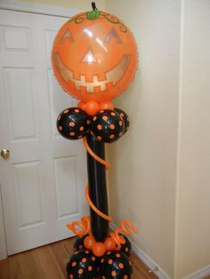 Halloween balloon column Halloween Designs, Balloon Decorations, Balloon Ideas, Holiday Decorations, Halloween Balloons, Balloon Columns, Halloween Food For Party, Food Ideas, Decor Ideas
