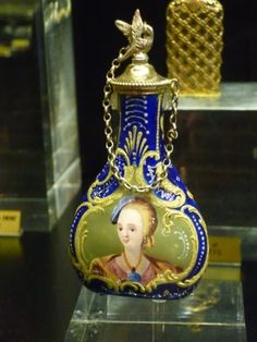 Old Parisian Perfume Bottle....vintage perfume bottle.....