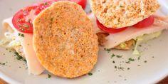 Receta para preparar en un momento un pan de zanahoria sin harina, rico en proteínas y bajo en carbohidratos, perfecto para la cena.