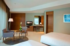 Book now with the best rate in town for the last minute booking. Learn more: http://roho.it/sftky