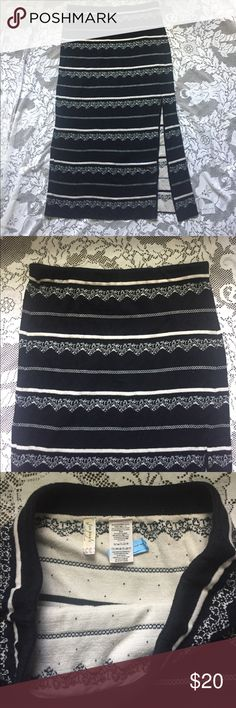 """Free People Pencil Skirt Beautiful pencil skirt from Free People. The skirt is in excellent condition, no flaws.   • 35% Rayon, 32% Cotton, 32% Nylon, 1% Spandex.  • Waist: 14.5"""" (elastic waistband)  • Length: 31""""  • Split: 16"""" Free People Skirts Pencil"""