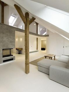This loft is designed by Architectsand located in Prague, Czech Republic. Called as Rounded Loft, this loft represent the softness, boundless and fluency Loft Interior Design, Attic Design, Loft Design, Interior Architecture, Interior And Exterior, House Design, Attic Loft, Attic Rooms, Loft Interiors
