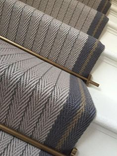 Bespoke Claire Border - Lt Grey, Graphite, Mushroom Our beautiful bespoke flatweave stairrunner in Claire Border in Graphite, Light Grey and Mushroom with antique brass stair rods. This is definitely one of our favourite bespoke creations. Wool Carpet, Grey Carpet, Brown Carpet, Flur Design, Hallway Inspiration, Hallway Designs, House Stairs, Stairs In Homes, Hallway Decorating