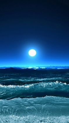 bright moon and blue ocean waves Saved by SRIRAM Beautiful Moon, Beautiful World, Visualisation Techniques, 6 Chakra, Night Sea, Shoot The Moon, Moon Pictures, Moon Magic, Ocean Waves