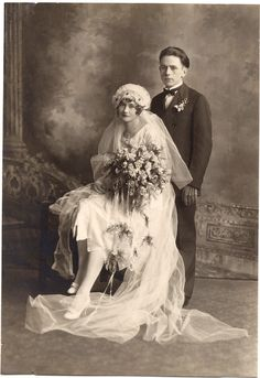 Early 1900's - with only one picture to take,  I bet that there was little to no wait at the reception. Brilliant!