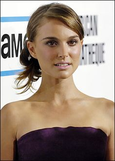 "Natalie Portman - Portman was born in Jerusalem, speaks Hebrew, and has dual United States and Israeli citezenship. She's apparently said that although she ""really loves the States... my heart's in Jerusalem. That's where I feel at home."""