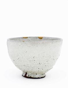 Bowl, Takatori ware, 1600-1630 Brown stoneware with rice-straw ash glaze