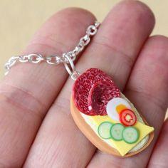 chlebíček na krk Pendant Necklace, Jewelry, Jewlery, Bijoux, Schmuck, Jewerly, Jewels, Jewelery, Drop Necklace
