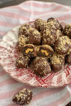 Prune în ciocolată - bomboane cu prune uscate | Bucate Aromate What A Beautiful Day, Sans Gluten, Party Cakes, Banana Bread, Deserts, Muffin, Yummy Food, Sweets, Gem