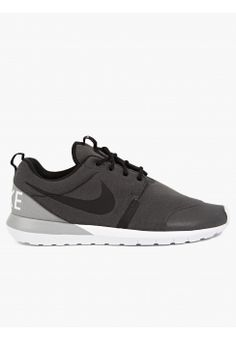 3d6e4785912d Nike Men s Dark Grey Roshe Run NM Sneakers