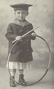A young boy in sailor suit, with a hoop - Germany, Vintage Abbildungen, Album Vintage, Photo Vintage, Looks Vintage, Vintage Postcards, Vintage Children Photos, Vintage Pictures, Old Pictures, Vintage Images