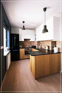 20 Ideas For Apartment Kitchen Backsplash Kitchen Sets, Home Decor Kitchen, Kitchen Interior, New Kitchen, Home Interior Design, Home Kitchens, Decorating Kitchen, Kitchen Modern, Kitchen Layout