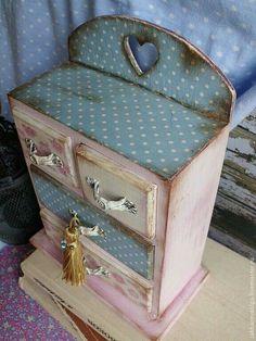 Caja decorada Decoupage Glass, Decoupage Furniture, Decoupage Paper, Painted Furniture, Vintage Crafts, Shabby Vintage, Vintage Wood, Shabby Chic, Painted Jewelry Boxes