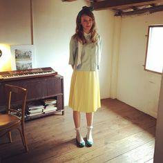 來到最愛的寶藏巖一定要在這裡耗上一整天…就算肚咕都沒有關係,在窗邊想想人生哲理,看看遠方的風景(邊放空),低頭逗逗附近的小喵咪~再想想晚上要去哪裡約會…呵啊~~~~(伸懶腰)  #Lamo3 #brand #betterlife #apparel #women #fashion #retro #style #journal #cute