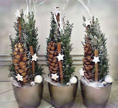 Hottest Images Xmas crafts wreaths Strategies Obtaining a evening of Christmas time craft idea brainstorming. It can be 5 days ahead of Christmas. Gold Christmas, Christmas Design, Christmas 2017, Rustic Christmas, Winter Christmas, Christmas Time, Diy Christmas Decorations For Home, Christmas Wreaths, Christmas Crafts