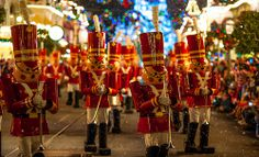 Magic Kingdom: Mickey's Very Merry Christmas Party / Mickey's Once Upon A Christmastime Parade