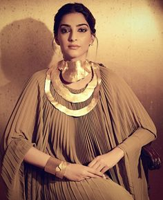 Bold, beautiful and a risk-taker, Sonam Kapoor is the reigning queen of fashion in India. Here are some of her style secrets you should steal! Bollywood Stars, Bollywood Fashion, Bollywood Celebrities, Bollywood Actress, Upcoming Movies 2020, Rhea Kapoor, Indian Hindi, Sonam Kapoor, Couture Week
