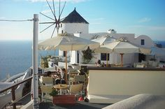 esperas santorini | Santorini Island offers hundreds of High Quality Hotels - Room ... Santorini Hotels, Santorini Island, Quality Hotel, Live Life, Greece, Journey, Patio, Photoshoot, Adventure