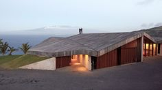 Clifftop House Maui by Dekleva Gregoric Architects - solid roof