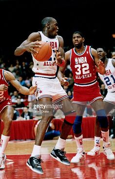 770e4bc7af1 The GOAT showing his wizardry between Fat Lever and Magic Johnson en route  to 40 points during the all star game in Chicago where he would be named  MVP.