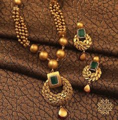 Gold jewelry Design For Wedding - - - Antique Gold jewelry Emerald Cut Fashion Jewelry Necklaces, Fashion Necklace, Choker Necklaces, India Jewelry, Necklace Set, Gold Jewelry Simple, Silver Jewelry, Quartz Jewelry, High Jewelry