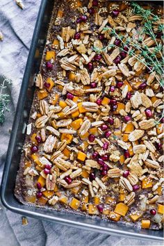 Maple Butternut Squash Quinoa Breakfast Bake // Vegetarian, gluten-free, refined sugar free, and ready in 30 minutes or less. Perfect for fall/winter!