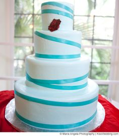A large but simple look for 4 a tier cake.  The cake designer is Chantilly Cakes in Largo, Florida