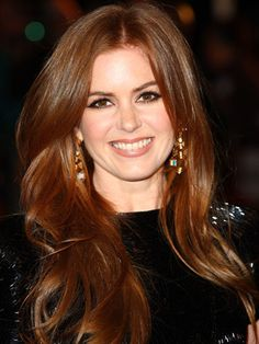 Want Isla Fisher's big waves? Celebrity stylist Jenny Cho gives us the step-by-step to creating the look #beauty #hair #howto #celebrity