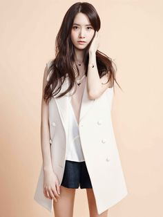 #Yoona #윤아 #ユナ#SNSD #少女時代 #소녀시대 #GirlsGeneration Cartier (3000×4003)
