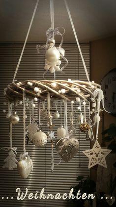diy selfmade JR # advent wreath tree disc diy selfmade JR # kerstideeën diy se … – Famous Last Words German Christmas, Simple Christmas, Winter Christmas, Christmas Wreaths, Christmas Ornaments, Christmas Tree, Christmas Chandelier Decor, Diy Chandelier, Deco Table Noel