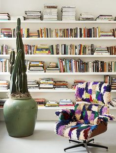 Home Decoration Design Ideas Key: 5868783656 Interior And Exterior, Interior Design, The Design Files, Edge Design, Home Libraries, Beautiful Textures, Book Nooks, Reading Nooks, Bookshelves