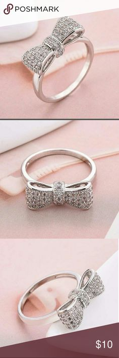 Silver ladies bow ring~ Silver bow with rhinestones adorable ring! Jewelry Rings