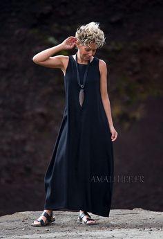 Robe longue en lin noir-:- AMALTHEE CREATIONS-:- n° 3460